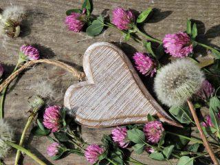 love spells,love chants,love magic chants,love rituals